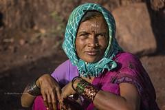 MAHAAKUTA : PORTRAIT DE FEMME (pierre.arnoldi) Tags: inde india pierrearnoldi canon mahaakuta badami karnataka portraitdefemme portraitsderue photooriginale photocouleur