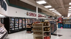 View from the back left corner of the store (Retail Retell) Tags: superlo foods grocery store southaven ms desoto county retail former schnucks albertsons seessels corrugated metal decor interior seesselsbyalbertsons