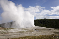 Old Faithful VII (rschnaible) Tags: yellowstone national park us usa wyoming outdoor sightseeing tour tourist landscape old faithful geyser hot spring
