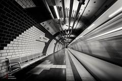 Karlsplatz, Essen U-Bahn (pieterpb) Tags: essen germany deutschland ubahn metro urban train longexposure canon travel