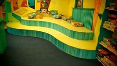 Doppelpodest von rechts (Mareike Scharmer) Tags: kinderräume mareikescharmer kunterbuntekinderstuben paintedfurniture acryl farben kostbarekindermöbel