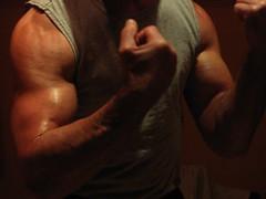 big bulging biceps (flexrogers7) Tags: bodybuilder bizeps bodybuilding big bodybuild biceps bodybuid bigbiceps bizep abs hugebiceps bicepart bicep round strong flexing mondo guns muscular massice muscleart muscles musclemodel muscle