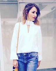 Os había dicho que las camisas blancas son mi prenda de vestir fetiche? No puedo prescindir de ellas! #alwayswhite #blusasblancas #style #ootd #instapic #insta #instalike #instadaily #instagramers #instafollow #instafashion #follow #streetstyle #mystyle (elblogdemonica) Tags: ifttt instagram elblogdemonica fashion moda mystyle sportlook springlooks streetstyle trendy tendencias tagsforlike happy looks miestilo modaespañola outfits basicos blogdemoda details detalles shoes zapatos pulseras collar bolso bag pants pantalones shirt camiseta jacket chaqueta hat sombrero