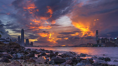 Casuseway Bay, Hong Kong (mikemikecat) Tags: casusewaybay 銅鑼灣 sea sony a7r sunset twilight 夕空 夕陽 夕焼け 夕暮れ 黃昏 日落 cityscapes clouds colorful fe1635mm sel1635z mikemikecat victoriaharbour