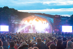 Atmosphere - Main Stage - Tramlines 2017-16 (Tramlines Festival Official) Tags: 2017 atmosphere crowds friday mainstage ponderosa sheffield simonbutlerphotography thelibertines tramlines2017 wwwsimonbutlerphotographycom