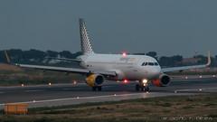 Vueling A320-232 EC-MJC (José M. Deza) Tags: 20170721 a320232 airbus bcn ecmjc elprat lebl planespotting spotter vueling aircraft
