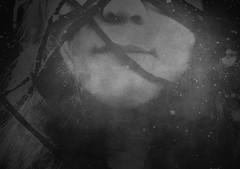 Stille (One-Basic-Of-Art) Tags: annewoyand woyand anne 1basicofart onebasicofart fotografie foto photographie mono einfarbig monochrom monochrome black white schwarz weis weiss grau gris grey noir blanc model shooting tfp canon timeforprint möchi stille still ruhe fesseln wolle gesicht face portrait nase mund schnüre