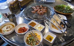(seua_yai) Tags: asia korea southkorea seoul urban city food koreanfood bbq people cuisine korea2017 koreaseoul2017