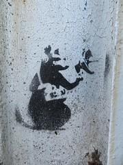 Anonyme (emilyD98) Tags: stencil pochoir est jetée maroc petit port wall mur rue nazaire saint st insolite art street