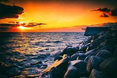 Sunset by the ocean (Maria Eklind) Tags: titanic hoppbryggan sunset water sweden outdoor västrahamnen sea ocean city goodnightsun brygga sundspromenaden malmö boardwalk clouds sky himmel solnedgång sunlight summer malmoe harbour öresund skånelän sverige se beach