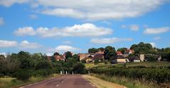 Éloge de la fuite — Bourgogne, juin 2017 (Stéphane Bily) Tags: stéphanebily bourgogne burgundy france route road village
