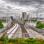 "Hungerford Bridge<a href=""http://www.flickr.com/photos/28211982@N07/36085629795/"" target=""_blank"">View on Flickr</a>"