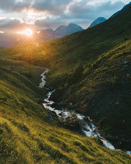 Since I had more than a few nice Sunrises in the last weeks, I've decided to share some more of golden 🍯. Okay? Okay! (regnumsaturni) Tags: landscape nature travel explore wanderlust outdoors mountain forest vsco vintage