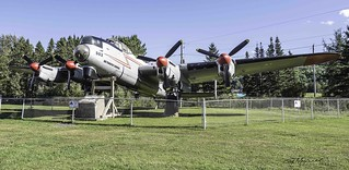 Lancaster 882