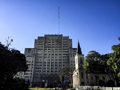 Building the medicine (Matt Aresti) Tags: buenosaires argentina ar facultad de medicina once recoleta urban edificio building uba plaza park parque