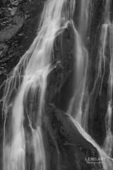 Silberhaar - Silver hair (LENS.ART Photographie) Tags: wasserfall irland powerscourt ireland bw monochrom landschaft landscape d7200 waterfall longexposure langzeitbelichtung