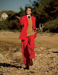 Gigi Hadid 2 (drno_manchuria (simonsaw)) Tags: gigi hadid model fashion modelo moda suit traje trajeada suited suitup camisa shirt corbata gravata tie necktie krawatte cravata menswear knot nudo pants pantalones collar cuello mujer encorbatada jacket chaqueta masculina