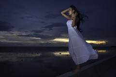 Sarinya (jonasfj) Tags: nikond750 nikkor normallens yongnuoyn560iii handheld offcameraflash strobist sarinya bangpoo bangkok thailand asia southeastasia model woman girl beautiful fashion posing sunset water sea reflections clouds storm wind whitedress barefeet beach gulfofthailand 28mm 2818g