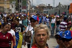 (Sebastian Astorga) Tags: calle ciudad desorden estudiantes marcha oposicion protestas represion seleccionelestimulo urbana urbano venezuela violencia riots protests manifestations demonstrators police journalism