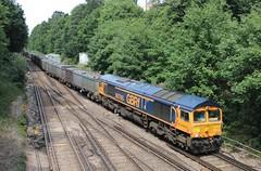GB Railfreight diesel loco 66765 Virginia Water (jc_snapper) Tags: gbrailfreight class66 freighttrain virginiawater diesellocomotive dieselloco locomotive vlok generalmotors emd