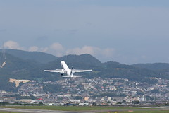 UP3A4753 (ken1_japan) Tags: 大阪国際空港 伊丹空港 itm 伊丹スカイパーク スカイランドハラダ japan osaka airplane ana jal canon 7dmkⅱ ef70200mm f28lisiiusm