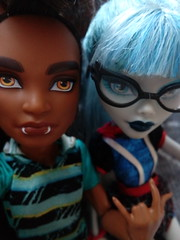 Clawd & Ghoulia (You_Are_Not_Alone) Tags: monsterhigh polishdolls monstergirls monsterboys girl girls man boys boy manster sister photobymysister dolls mansters friend friends bff bestfriends doll clawdwolf packoftrouble wolf werewolf ghouliayelps freakyinspiredghouls zombie zombiegirl