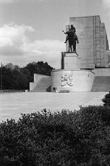 Memorial national de Vítkov (Brrrr. Ⓐ) Tags: prague république tcheque mémorial argentique