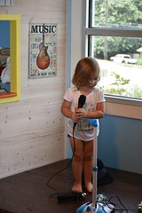 2017 July 27, Children's Museum of the Shoals w/ Ava Grace Nikon D7200 (King Kong 911) Tags: avagracehughes barn3 blocks building children1 fun kids microphone museum music playing singing1 water