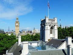Big Ben (Kombizz) Tags: 1190788 kombizz 080717 july2017 thesupremecourt unionjack bigben architecture building tower elizabethtower clocktower gothicrevival charlesbarry augustuspugin cityofwestminster trees rooftops