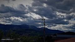 Mi antena a encogido (enrique1959 -) Tags: martesdenubes martes nubes nwn bilbao vizcaya españa paisvasco euskadi