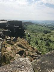 Curbar Edge, Derbyshire (Simon Caunt) Tags: geology geological peakdistrict hopevalley calver hope rockclimbing derbyshire curbaredge rocks outdoors outside towardschatsworth chatsworth baslow escarpment outcrop tranquil tranquility peaceful upland