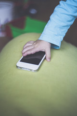 Smartphone Kids (Photo: autiefamph on Flickr)