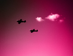 Clusters of the dark (Join me on Facebook!) Tags: avions planes minimalisme ciel sky rose pink abstraction digital surrealism onirism dreamlike digitalart darkness hss