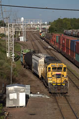 Merger Partners at GN Junction (BNSF 711) Tags: bnsf bnsf2793 gnjct midwaysub stanthony gp392