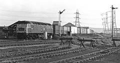 Dudley Freightliner (Wulfruna Kid) Tags: 47537 class47 brush freightliner wednesbury dudleyfreightlinerterminal southstaffordshireline 1977