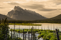 Daybreak at Vermillion Lakes (Harry2010) Tags: banff banffnationalpark mountrundle vermillionlakes lake mountain