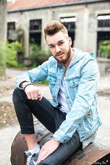 Quentin (Mickael Shooting Stars) Tags: rouge modele homme boy usine abandonnées lens arras bethune tonneau desaffectée mode swag jean barbu d750
