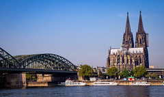 Cathedral of St. Peter in Cologne, Germany (mary_hulett) Tags: cologne rivercruise hohenzollernbridge bridge travel cathedralofstpeter church germany viking rhineriver boats europe colognecathedral 2017
