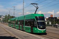 5013 (200er Serie) Tags: tram drämmli schienenfahrzeug bvb basler verkehrsbetriebe grün flexity bombardier