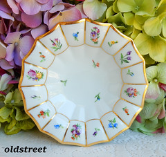 Royal Copenhagen Porcelain Dessert Bowl ~ Henriette 444 ~ Flowers Gold (Donna's Collectables) Tags: royal copenhagen porcelain dessert bowl ~ henriette 444 flowers gold
