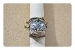 Crochet Cat ... (junepurkiss) Tags: crochet crochetcat crochetart streetart 13tharrondissement paris