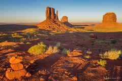 Monument Valley shadows (NettyA) Tags: 2017 arizona monumentvalley navajotribalpark sonya7r themittens usa utah travel sunset america northamerica southwest desert shadows cairn westmittenbutte eastmittenbutte merrickbutte landscape
