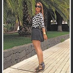 De lunares comenzamos el juernes! ⚫️⚪️⚫️⚪️Feliz día a todos! (Ya huele a finde 👏) #detallesqueenamoran #ootd #lookoftheday #lookdeverano #elblogdemonica #insta #instapic #instalike #instagood #insta (elblogdemonica) Tags: ifttt instagram elblogdemonica fashion moda mystyle sportlook springlooks streetstyle trendy tendencias tagsforlike happy looks miestilo modaespañola outfits basicos blogdemoda details detalles shoes zapatos pulseras collar bolso bag pants pantalones shirt camiseta jacket chaqueta hat sombrero