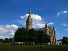 Cathedral (curly_em) Tags: salisbury wiltshire bluesky spire green trees visitors