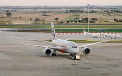 20170723 Photo 004 (flicka.pang) Tags: 787 7878 airplane boeing boeing787 boeing7878 fujifilm fujifilmxt1 fujifilmxf100400mmf4556rlmoiswr jetstar jetstarairways melbourneairport plane tullamarine tullamarineairport xt1aircraft ymml avgeek aviation melbourne vic australia