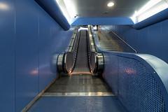 Toledo 2 (isnogud_CT) Tags: ubahn station viatoledo toledo italien neapel underground treppe