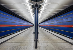 Lines (katrin glaesmann) Tags: münchen munich tube station ubahn metro mvg amhart workshop u2 hilmersattler 1993 handheld notripod