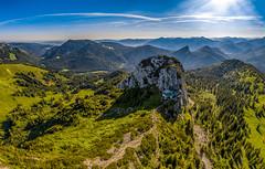 Roß und Buchstein (F!o) Tags: drone lenggries bayern deutschland de dr dji phantom phantom4pro tegernsee kreuth tegernseerhütte adlerhorst panorama alpen alps berghütte berge hütten sonne himmel wolken clouds bavaria mountains summit kreuz gipfelkreuz gipfel