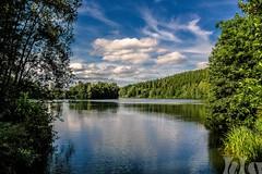 Der Untreusee (holest33) Tags: untreusee hofsaale clouds wasser see