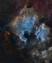 NGC7000 and surroundings on widefield HST (Mosaic 3x3) (Carballada) Tags: astrophotography astronomy deep space astro celestron zwo as1600mmc skywatcher ts sky qhy qhy5iii174 narrowband mosaic hst astrometrydotnet:id=nova2207183 astrometrydotnet:status=solved